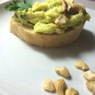 Blumenkohl-Cashew-Aufstrich mit Zitrone