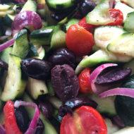 Griechischer Bauernsalat mit Kalamata-Oliven