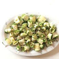 Zucchiniröllchen mit Kartoffel-Thymian-Creme