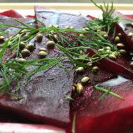 Rote-Bete-Scheiben mit Balsamico-Crema