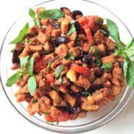 Toskanischer Brotsalat mit Tomate und Basilikum