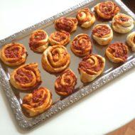 Pizza-Schnecke mit Tomatenfüllung