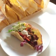 Tacos mit Linsen-Walnuss-Füllung und Sour Cream