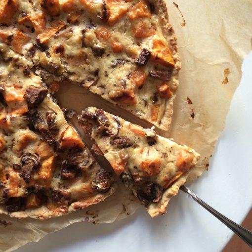 Süßkartoffel-Quiche mit Steinchampignons