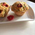 Pizza-Muffins mit getrockneten Cherry-Tomaten